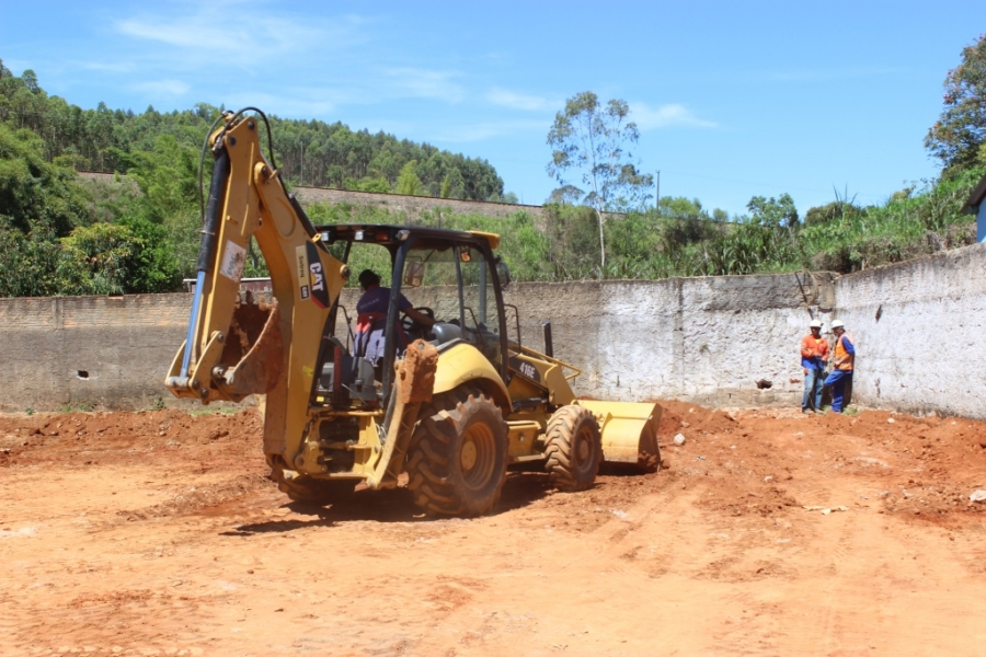 Construção da Escola do Acampamento
