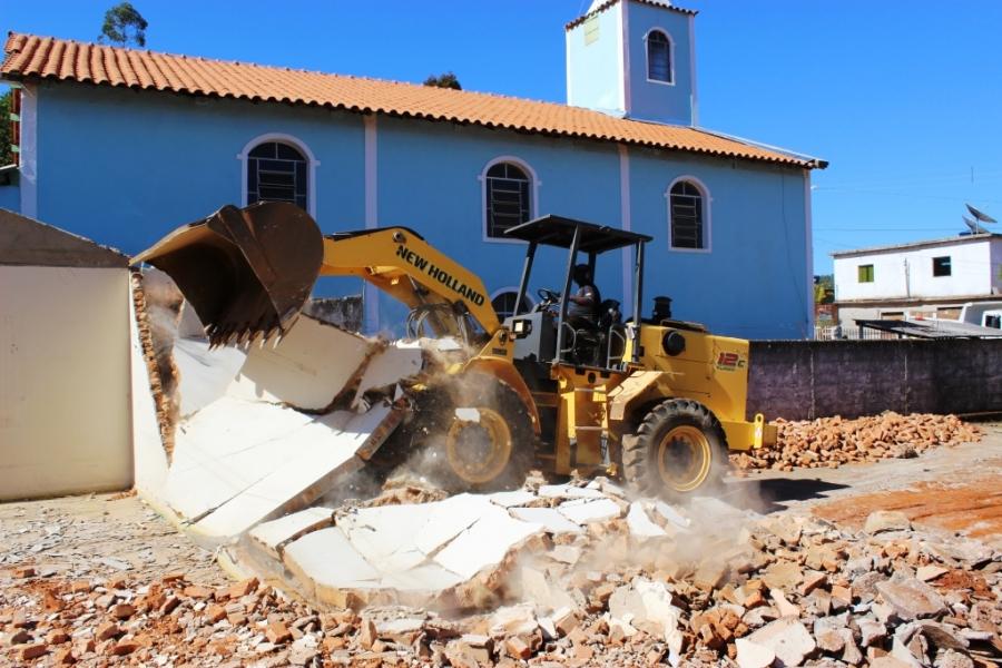 Demolição da E.M.João Bizutti entra na reta final.