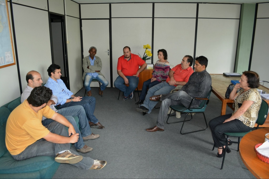 Carandaí recebe visita de Deputado Estadual Cristiano Silveira